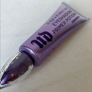 $10 Add-On URBAN DECAY Eyeshadow Primer Potion
